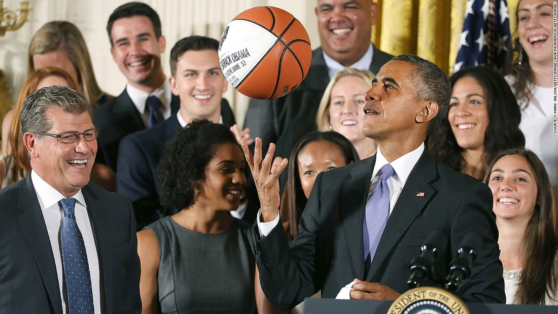 170123170647 obama basketball super 169